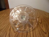 WILLIAMS SONOMA CAKE STAND/PLATE WITH HEARTS