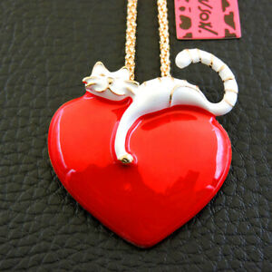 Betsey Johnson White Red Enamel Heart Cat Pendant Sweater Necklace