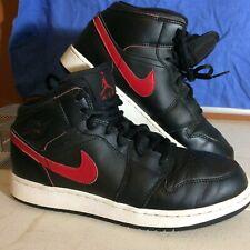"Air Jordan 1 Retro Mid ""Bred"" Color: Black/Team Red-White Style #: 554725-009"