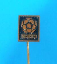 FIFA FOOTBALL SOCCER WORLD CUP - MEXICO 1970. vintage pin badge futbol MEXICO 70