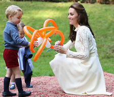 Catherine, Duchess of Cambridge & Prince George UNSIGNED photo - H5791