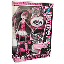 New Monster High Draculaura Doll Pet & Diary Original Costume Mattel