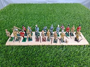 Job Lot of 21 Vintage Toy Lead Soldiers