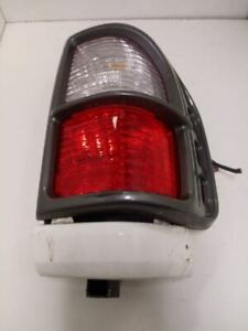 1998 ISUZU RODEO PASSENGER RIGHT TAIL LIGHT OEM USED TESTED 4DR