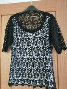 Marks And Spencer Per Una Black White Lace Top Size 12