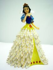 Disney Snowy Poinsettia Princess Figurine All Decked Out Snow White
