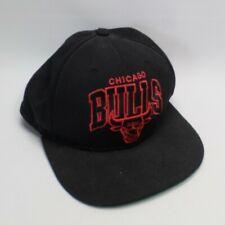 Chicago Bulls Retro Baseball Cap Snapback Black + Red One Size Mitchell and Ness