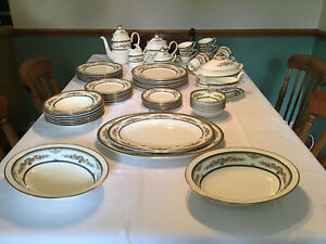 Minton Stanwood (Gold Trim) Dinner Set