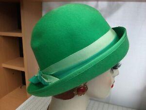 Vintage 1970's Green wool felt hat + grosgrain band & bow VGC