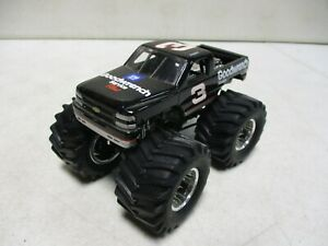Muscle Machines Dale Earnhardt GM Goodwrench Monster Truck