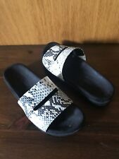 Hush Puppies-Queens-Animal Print Slides-Size 6