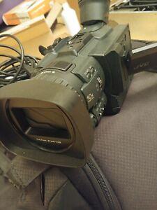 JVC UHD 4K Professional GY-HMQ10U - Camera Recorder / Camcorder