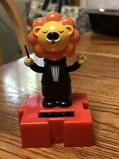 New Solar Powered Dancing Toy Bobble Head Circus Musician Lion