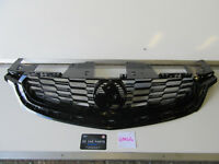 HOLDEN COMMODORE VF SERIES 2 SS SV6 SSV FRONT UPPER COMMODORE GRILLE NEW GENUINE