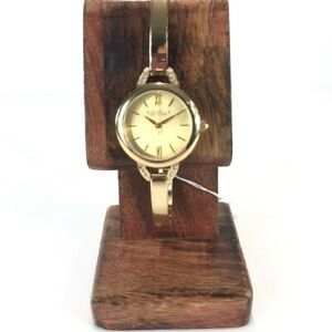 Caravelle Womens Dial Gold Tone Wristwatch Dressy Manual Lightweight Round