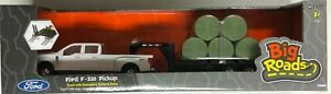 NEW 1/32 John Deere Ford F350 Pickup with Trailer & Bales Set - (LP68114)
