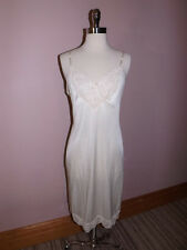Delicate Vtg Vassarette Underneath It All Ivory Nylon Dainty Lace Full Slip 34 L