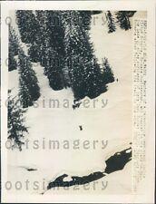 1950 Para Rescue Team by Plane Crash Victim Cle Elum Washington Press Photo