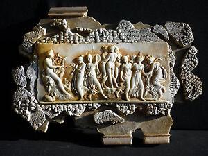 """Quadro bassorilievo in gesso ceramico  """"Tre grazie"""" 35x25 cm"""