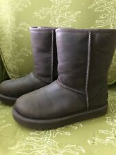 UGG Womens Classic Short Boots sz 5 Leather Brownstone Brown
