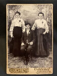 2 Women 1 Man w IDs Antique Cabinet Card Photo Painted Backdrop