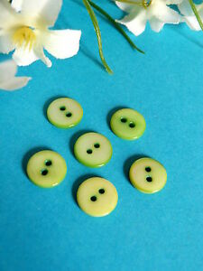395B/Charming Small Buttons Mother-of-Pearl Coloured Green Set Of 6 Buttons