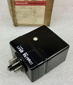 HONEYWELL 106615A SAFEGAURD 8-PIN PLUG-IN RELAY FOR R4075A NOS NEW IN BOX