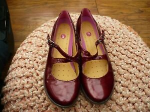 CLARKS UNSTRUCTURED DEEP RED PATENT LEATHER FLATS SIZE 6.5 D IMMACULATE 221-2