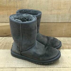 UGG Womens Classic Short II 5828 Grey Pull On Mid Calf Winter Boots Size 6