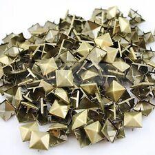 100 x Pyramid-Nieten/Studs Niet Ziernieten aus Metall in Bronzefarben 15mm