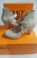 Miz Mooz shoes Carissa Cream Pumps Size 6/36
