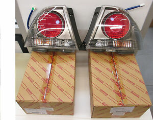 LEXUS OEM FACTORY SPORT DESIGN REAR OUTER TAIL LAMP SET 2004 IS300
