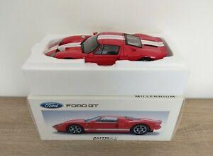 """Ford GT 2005 - """"AUTOART"""". 1/18."""