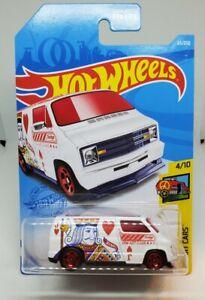 Hot Wheels Custom 77 Dodge Van Treasure Hunt  HW Art Cars 4/10 2021 C Case