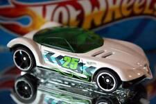2015 Hot Wheels Off-Road Thrill Racers Golden Arrow