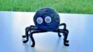 Pom Pom Spiders Black and Orange Makes 10