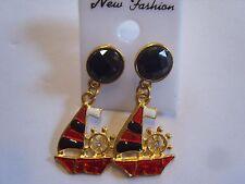 Ohrring rot schwarzen Goldfarbenem Segelboot  und schwarzem Strassstein 3259
