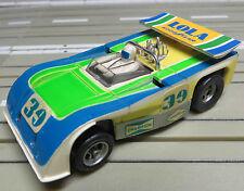 für Slotcar Racing Modellbahn -- seltener  Lola T 260, + 2 neue Schleifer/Reifen
