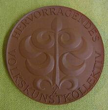 Meissen DDR Medaille - Hervorragendes Volkskunstkollektiv - Neubrandenburg