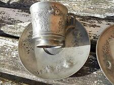 Ancienne tasse en étain argenté fin XIXeme décor oiseau fleurs et Nid oeuf