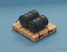 Pallet w/ Industrial Oil Barrels - Gray Barrels - G Scale - 101-0016