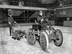 1917 Early Zamboni Ice Cleaning Machine 8 X 10 Black & White Picture Photo