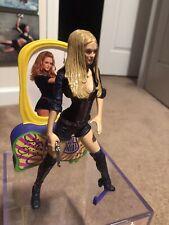 Austin Powers Felicity Shagwell Figure Complete