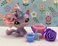 Authentic Littlest Pet Shop # 1994 Purple Sitting Cat Blue Heart Green Eyes