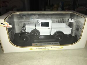 1931 Ford Model A Pickup truck White:18 Signature Models 18113 NIB