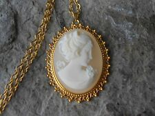 VICTORIAN WOMAN PORTRAIT CAMEO GOLD TONE PENDANT NECKLACE - VICTORIAN LOOK