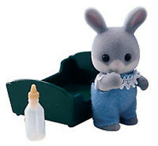 NEW SYLVANIAN FAMILIES 4035 Grey Cottontail Rabbit Baby - Crib & Bottle BLUE BOY