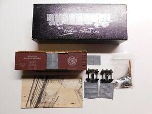 HO Scale - Vintage Silver Streak SSW Cotton Belt Wood Box Car Deluxe Train Kit