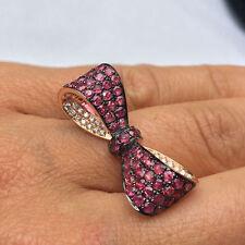 Ringe mit Edelsteinen aus Gelbgold für die Verlobung runde
