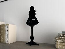 Alice in wonderland madness returns-silhouette table horloge